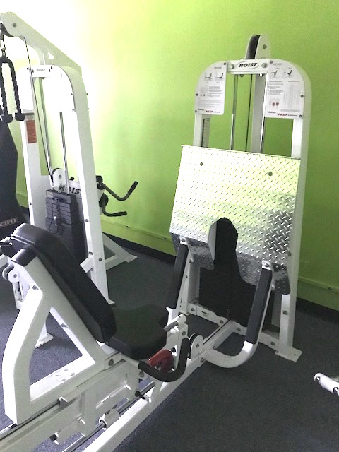 HOIST LEG PRESS MACHINE